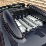 2013-Bugatti-Veyron-Grand-Sport-Vitesse-engine-2