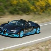 2013-Bugatti-Veyron-Grand-Sport-Vitesse-front-three-quarter-in-motion-2