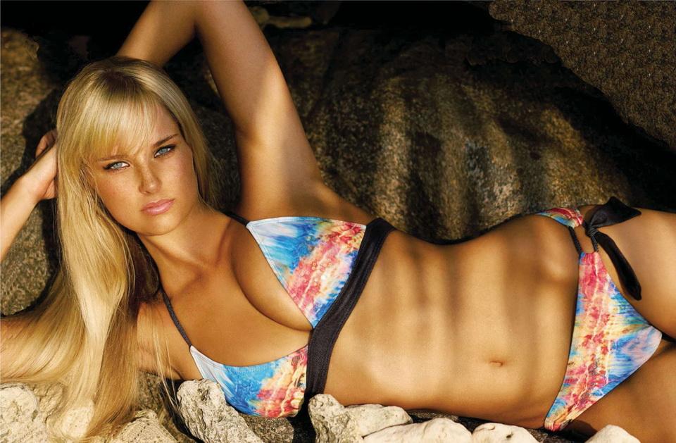 Genevieve Morton Sexiest Photo 25