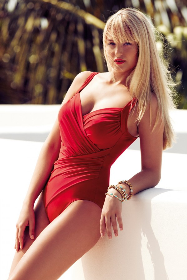 Genevieve Morton Sexiest Photo 9