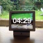 Chameleon Clock App