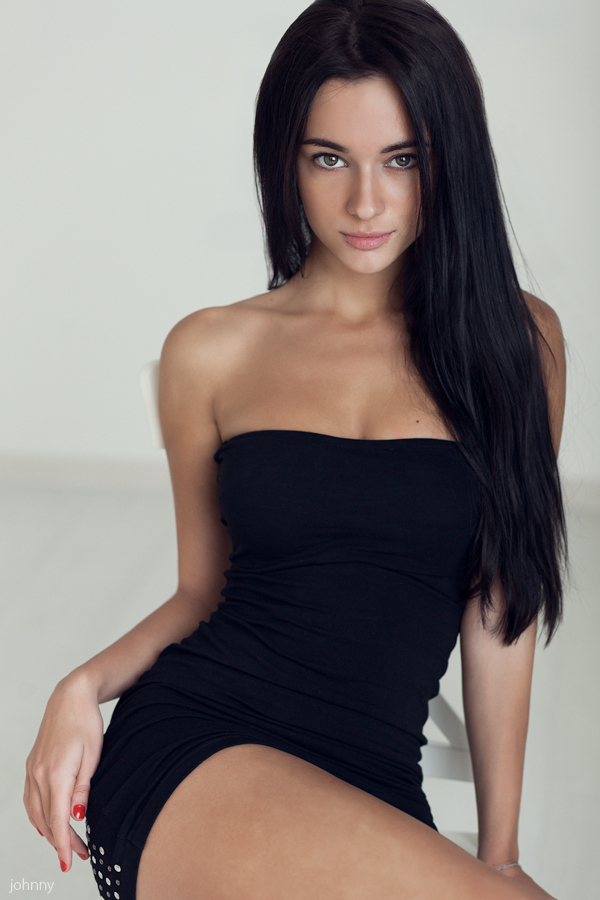 Teen hot brunette