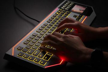 star- wars-keyboard -inuse