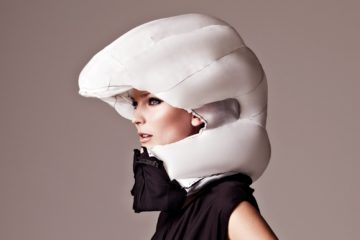hovding_bike_helmet_open