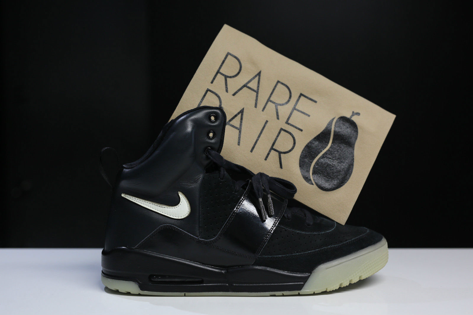 nike air yeezy kanye west black glow promo sample 1 HisPotion